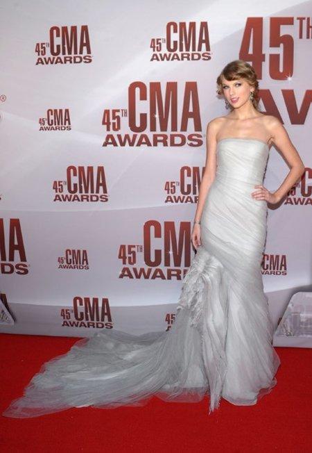 Taylor Swift vestido CMA Awards 2011