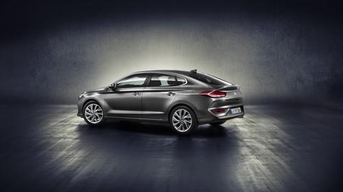 El Hyundai i30 Fastback quiere ser el Panamera del pueblo