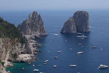 Capri cobraría un impuesto a los turistas