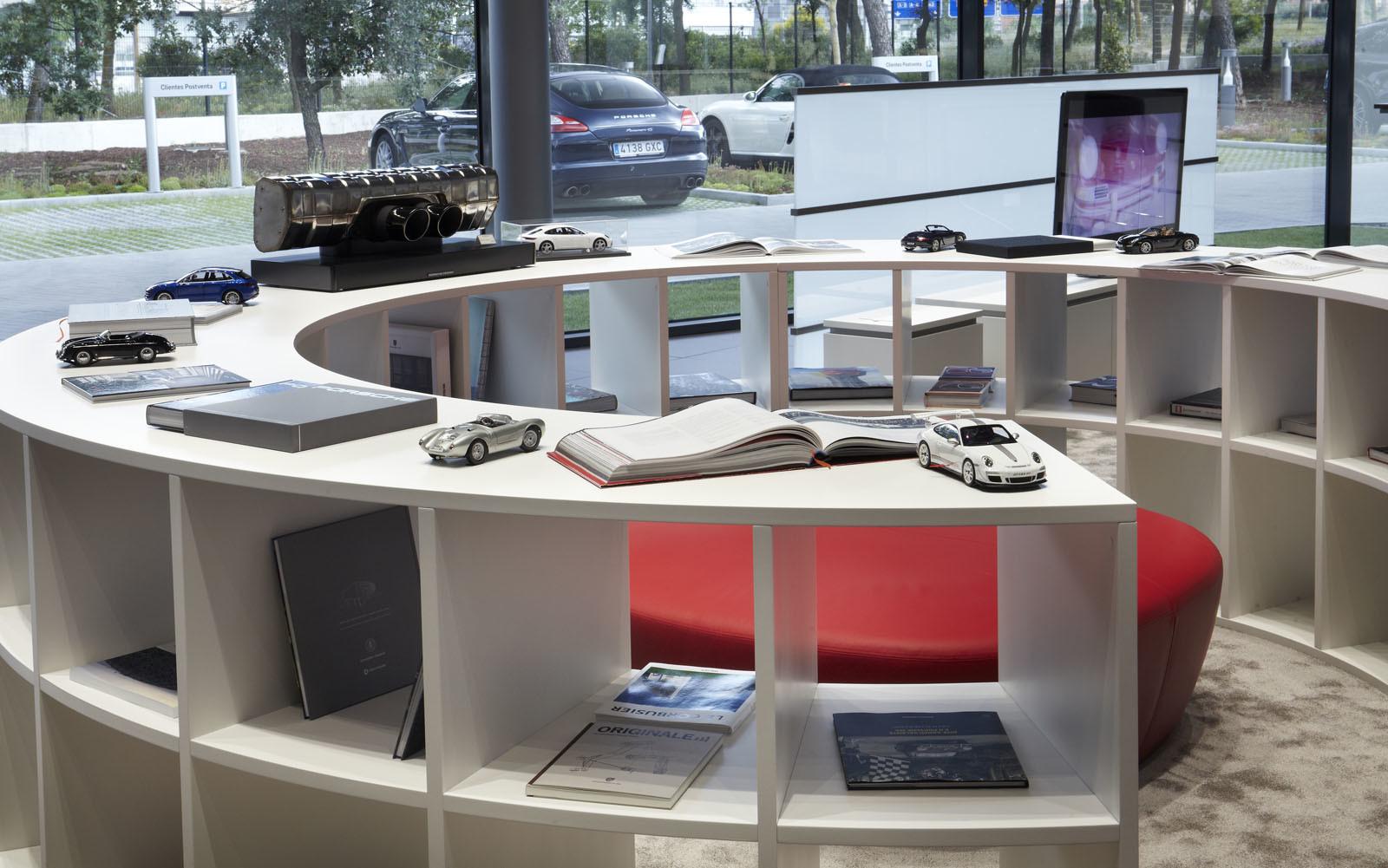 Foto de Centro de Experiencias Porsche Madrid Norte (12/16)