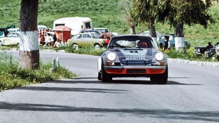 Porsche 911 Martini 3