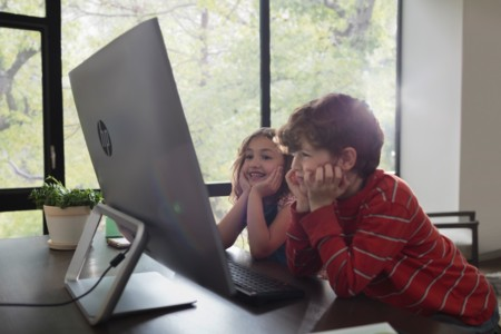 Children Watching A Movie On The Hp Pavilion All In One 1