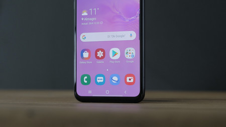 Samsung Galaxy S10e Review Pantalla Marcos Inferior