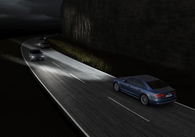 """Audi tiene faros LED que """"piensan"""" por nosotros"""