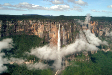 Visitando las cascadas o cataratas más bellas del mundo (I): El Salto del Ángel