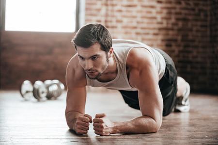 Cinco variantes del plank para trabajar abdominales y otros músculos del cuerpo