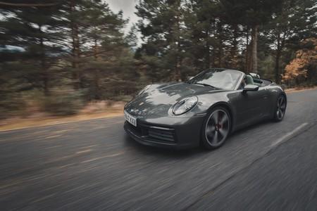 Probamos el Porsche 911 Carrera 4S Cabriolet: el descapotable de 450 CV que hará que te olvides del coupé