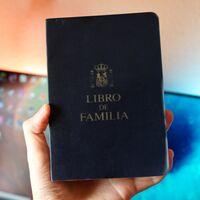 Adiós al Libro de Familia: el tradicional documento físico se sustituye por un registro electrónico individual a nivel nacional