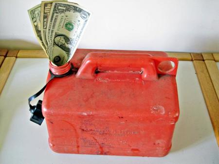 Los precios de la gasolina y del gasoil suben hasta el infinito y más allá