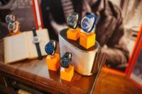 ¡El azul, el color de tendencia en el mundo del reloj! Hugo Boss lo sabe e invade sus colecciones de este tono