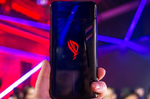 ROG Phone, primeras impresiones: diseñar un móvil para verdaderos jugones era esto