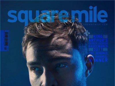 Ed Westwick con cara de chico malo en la portada de Square Mile