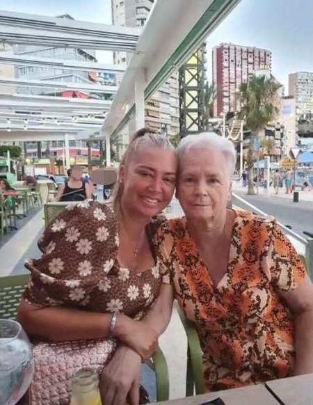 Quiero a mi mamá: Belén Esteban le dedica una de Massiel a su madre en Benidorm