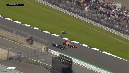 Entrada Curva Hamilton Verstappen Silverstone F1 2021