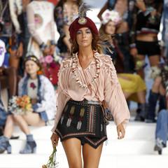 Foto 12 de 24 de la galería desigual-ha-sido-la-firma-encargada-de-inaugurar-la-primera-edicion-de-la-pasarela-mercedes-benz-fashion-week-ibiza en Trendencias