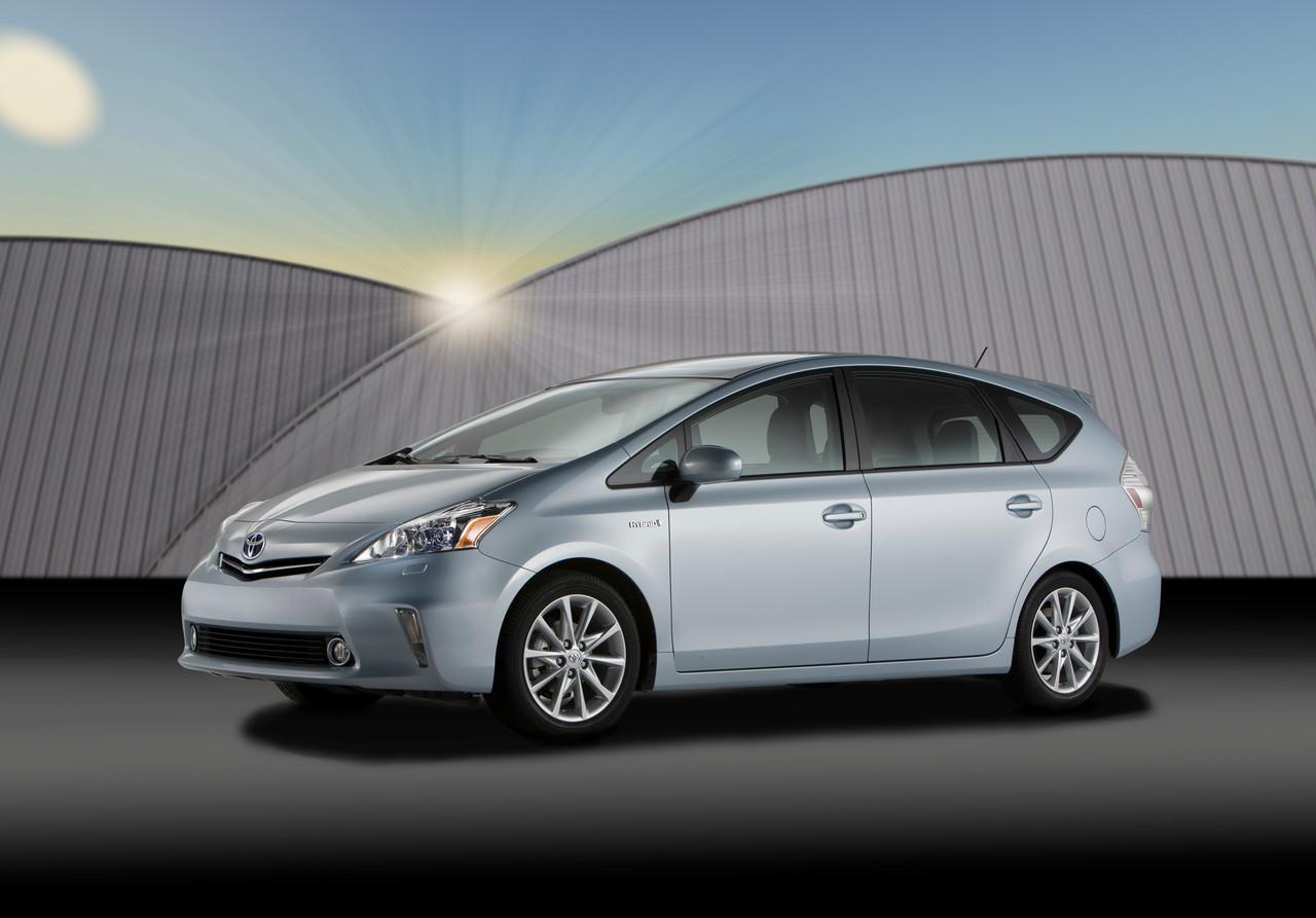Foto de 2011 Toyota Prius v (1/77)