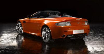 Aston Martin lanzará también el V8 Vantage N400 Roadster