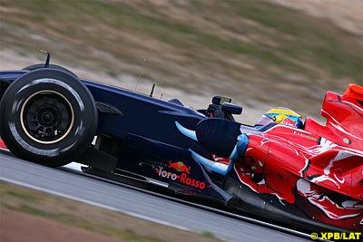Los Toro Rosso sorprenden en la mañana del sábado en el Circuit de Catalunya