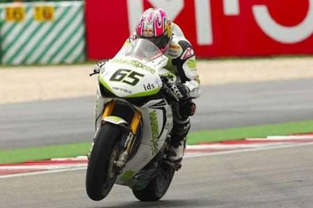 Jonathan Rea gana una dura pugna en la segunda carrera en Misano Adriático