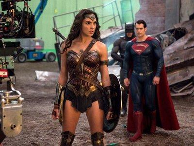 Polémica con los sueldos de los superhéroes: Gal Gadot cobró 300.000 dólares, Henry Cavill 14 millones
