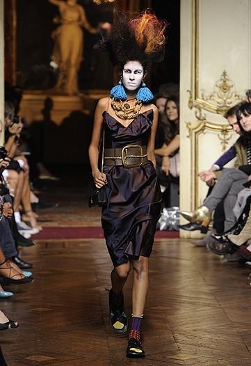 Foto de Vivienne Westwood Primavera-Verano 2010 en la Semana de la Moda de París (19/21)