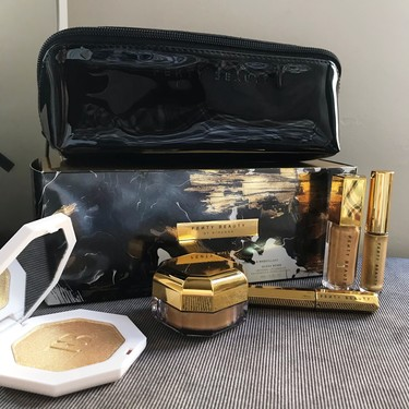 Esta Navidad apostamos por el dorado más extremo con la colección de maquillaje en edición limitada Fenty Beauty by Rihanna que hemos probado