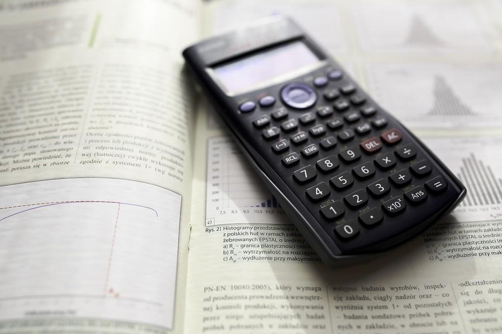 Calculator 791831 1280