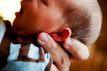 Los bebés de madres mayores de 35 años podrían tener menos riesgo de padecer ciertos defectos congénitos