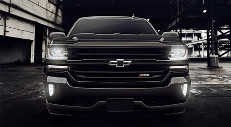 Chevrolet Cheyenne Midnight 2017 1