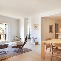 Puertas abiertas: un ático de diseño lleno de luz en la zona alta de Barcelona