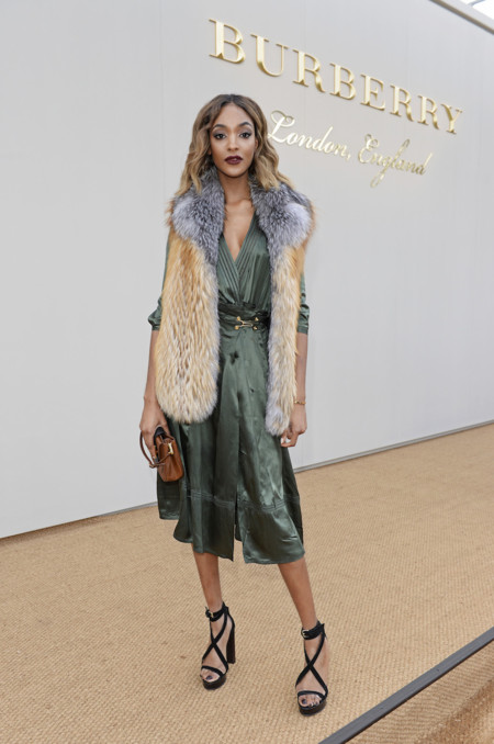 Jourdan Dunn Wearing Burberry At The Burberry Menswear January 2016 Show