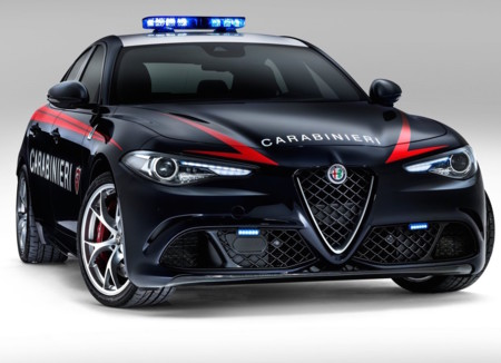 Alfa Romeo Giulia Quadrifoglio Carabinieri 2017 1280 02