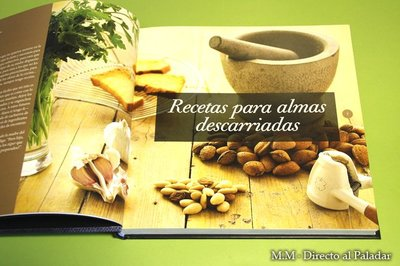 Webos Fritos Recetas y Momentos, ganador del Gourmand World Cookbook Awards 2011 España