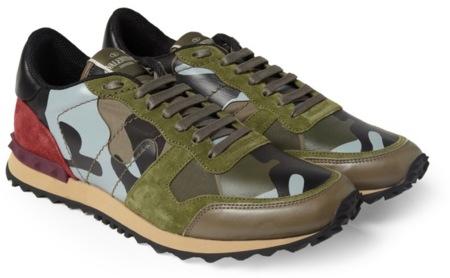 Valentino camufla sus nuevas zapatillas