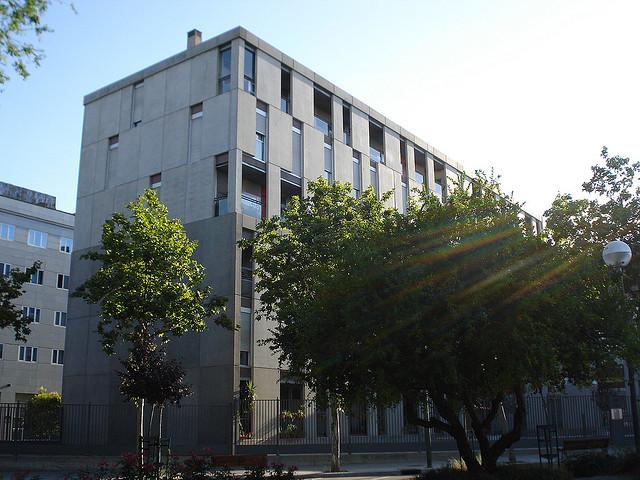 edificio de viviendas sociales en madrid