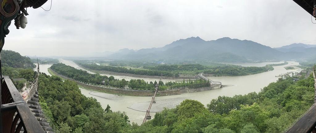 Dujiangyan: los ingenieros que, hará mas de 2000 años, decidieron domar el río Min y, carente pretenderlo, acabaron por forjar China