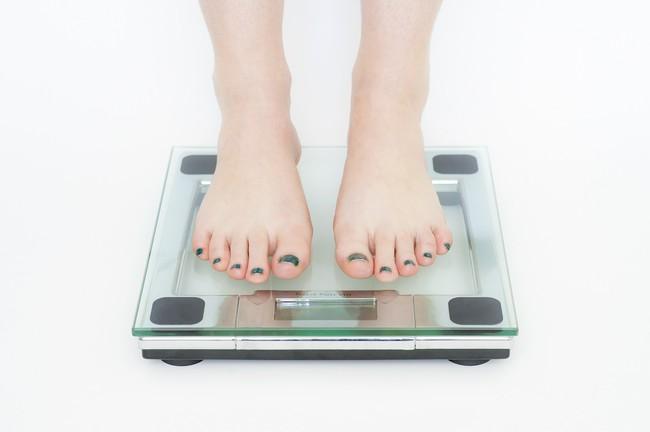 Aumentar las proteínas y rebajar los carbohidratos para adelgazar: así funcionan las dietas proteinadas