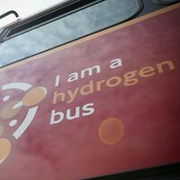 Los míticos autobuses rojos de Londres se rinden al hidrógeno y ya circulan los primeros con pila de combustible