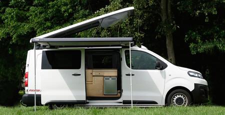 Las Citroën ë-Jumpy, Peugeot e-Expert y Opel Vivaro-e ahora son furgonetas camper: la casa a cuestas y cero emisiones