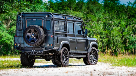 Land Rover Defender Electric ECD Automotive Design