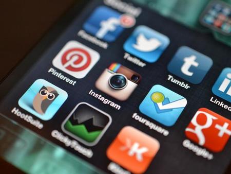 7 de cada 10 usuarios de internet esta enganchado con las redes sociales