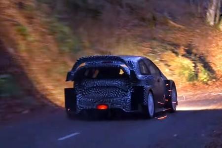 Así de infernal suena el Toyota Yaris WRC de Latvala haciendo gárgaras con fuego