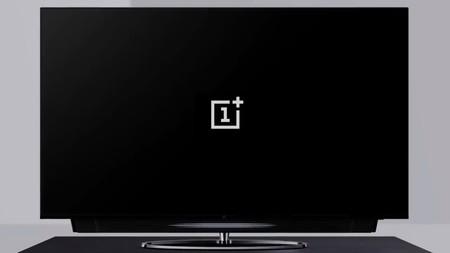 OnePlus ya tiene su primer televisor con todo y barra de sonido retráctil: así es la pantalla que quizás nunca veamos en México