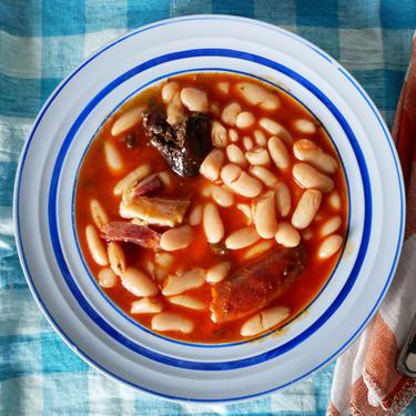 Fabada fácil en olla de cocción lenta: la receta más sencilla para sacar partido a la Crock-Pot
