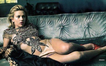 Scarlett Johansson, un alien sexualmente muy voraz
