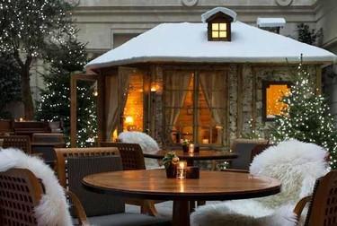 El hotel Park Hyatt de París recrea un chalet suizo en su terraza patrocinado por Chopard