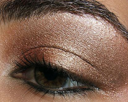 Foto de Look de fiesta, ojos marrones (1/5)