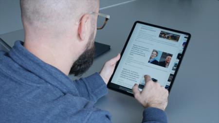 iPad Pro 12,9 pulgadas 2018 en mano