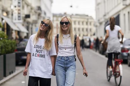 Los looks con camiseta pueden ser así de cools ¡rescátala de tu armario!