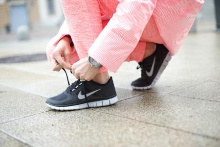 Claves de estilo para ir de shopping: buscando unas zapatillas que molen
